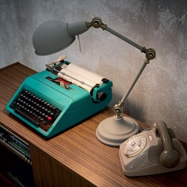 Truman table lamp by <span