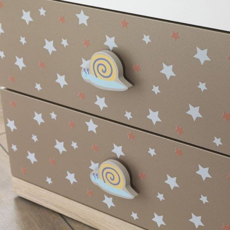 Chest of drawers for Carino's bedrooms