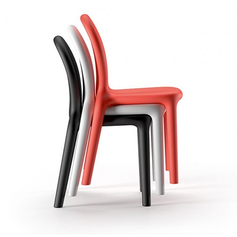 plust chloè chair stackable outdoor chair