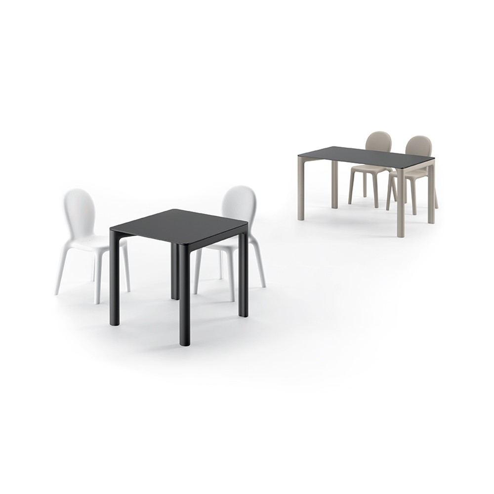 plust chloè table outdoor table versions