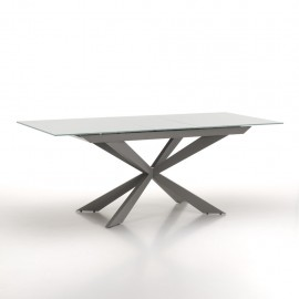 Random extendable table made with metal