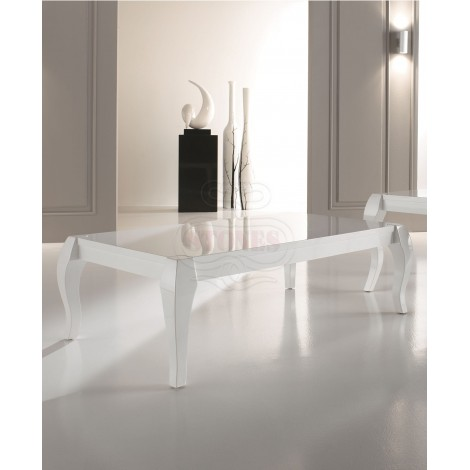 White shiny lacquered  Coffee Table Shining in  antique style with finely worked legs. Dimensions: 77 X d. 40 40 H.