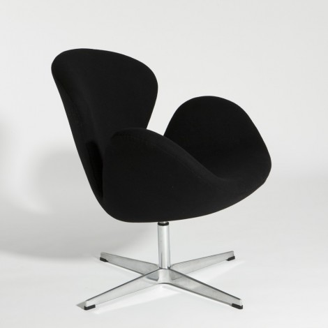 Re-edition of the Swan armchair by Arne Jacosen in real leather or wool