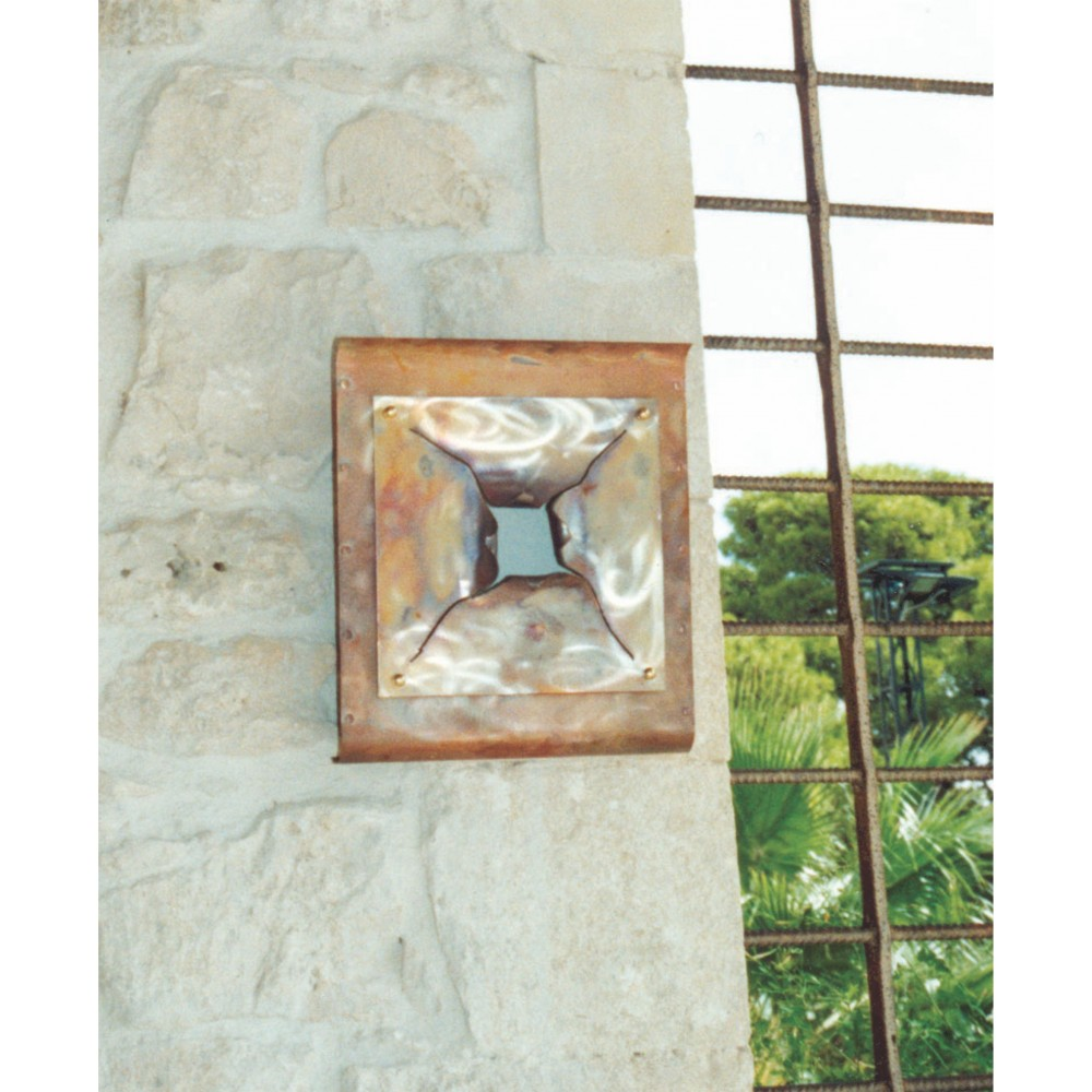 Amber wall lamp in frosted and aged copper with E 27 lamp