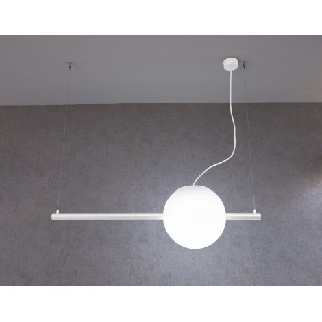 Cruna suspension lamp in white or black painted metal and sphere glass diffuser