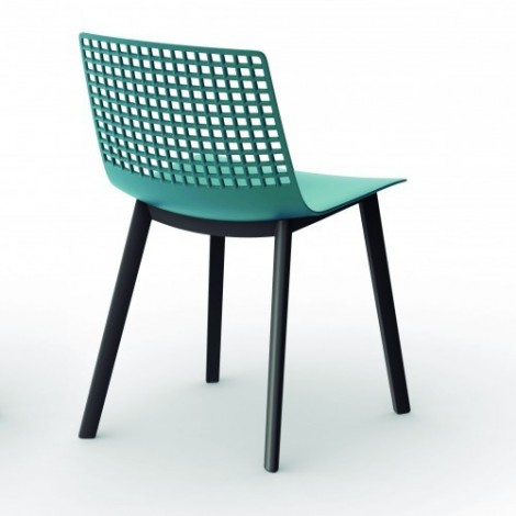 Click chair with steel structure and polypropylene seat with perforated back available in several colors