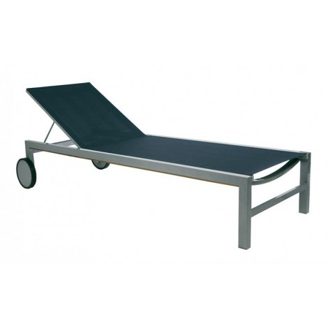 Cubic outdoor lounger with aluminum frame and black fabric. Aluminum wheels covered in rubber