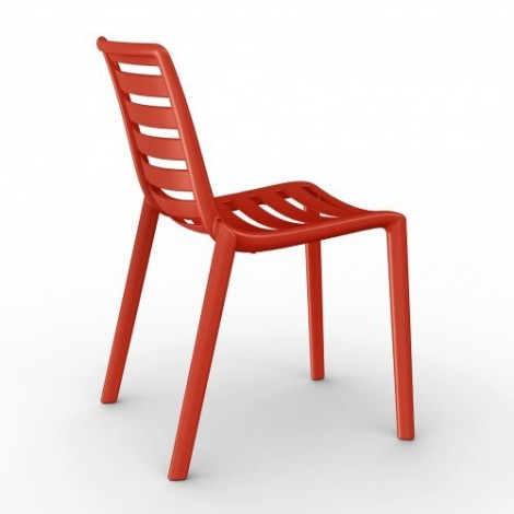 Slatkat outdoor chair in polypropylene. Stackable chair available in many finishes