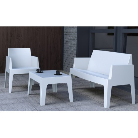 Urban outdoor coffee table in stackable polypropylene available in 3 different colors