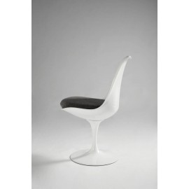 Re-edition of Tulip chair by Eero Saarinen in ABS with aluminum base and cushion in leather or fabric