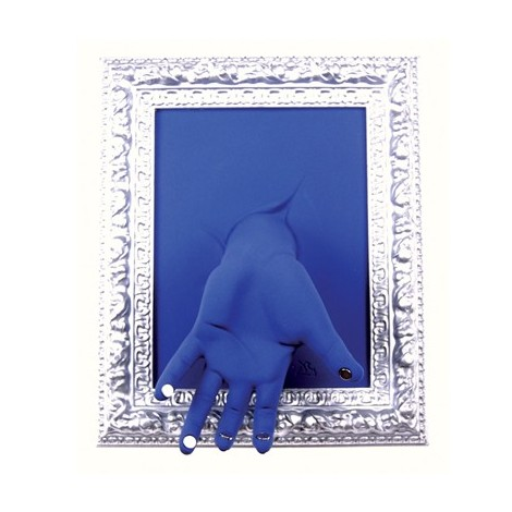 Hand-shaped keychain with picture frame