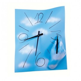 Amanolibera wall clock measures cm L 28 x H 38 x P 8. Resin and hand-decorated metal.