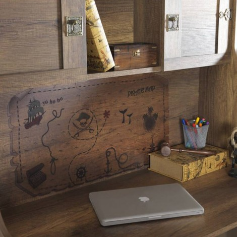 Pirates desk with drawer, shelf and